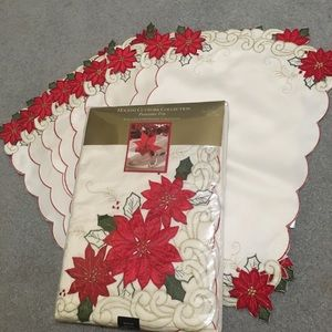Christmas tablecloth and 9'placemats